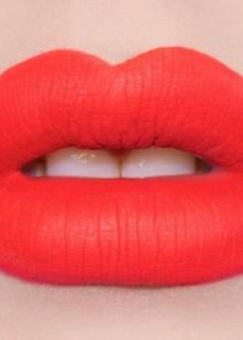 Губная помада L; Oreal (69 фото): жидкая матовая и лаковая, Rouge Caresse и Irresistible Expresso, палитра и отзывы