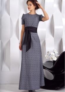 2e07afd9eff Очень выигрышным является сочетание классического чёрного платья с алым или  красным поясом на талии. Такой образ будет очень сексуальным и интересным.