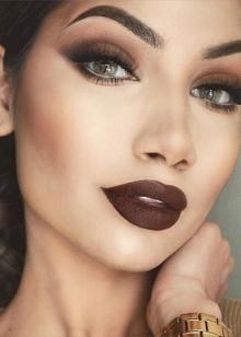Макияж с акцентом на губы: виды make-up и модные тенденции 2022
