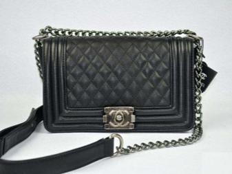 c5e6dc50f1de Сумка Chanel на цепочке (56 фото): маленькая, оригинал