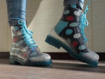 Ботинки резиновые: прорезиненные на шнурках, прозрачные, зимние, с резиновым низом