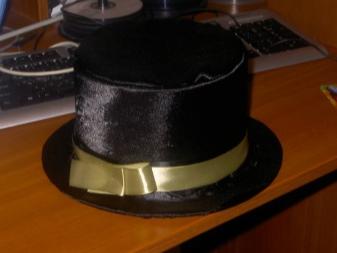 Шляпа-цилиндр из картона