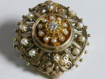 Винтажные броши (56 фото): старинные и антикварные, серебряные с камнями, в стиле винтаж с камнями