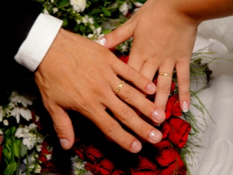 Обручальные кольца 2018 (149 фото): свадебные женские красивые кальца-шайбы на свадьбу, с изумрудом и рубином от Ricchezza