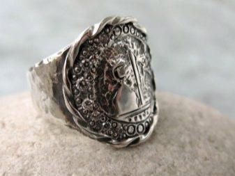 Мужские серебряные кольца (102 фото): украшения из серебра для мужчин, обручальное кольцо, мусульманские модели