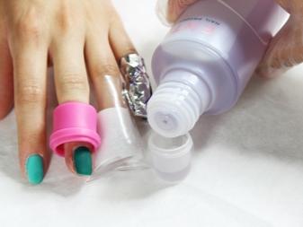 Водостойкий лак для ногтей