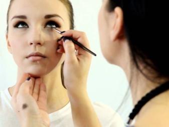Макияж для выпуклых глаз (23 фото): пошаговое нанесение make-up для больших и круглых глаз