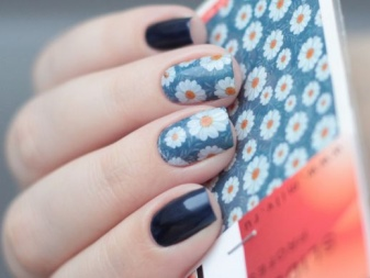 Маникюр с ромашками (41 фото): идеи красивого дизайна 2018 на ногтях на синем фоне, как нарисовать поэтапно