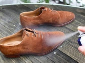 Как почистить обувь из нубука? Чем удалить грязь с нубуковых ботинок, как отмыть светлые сапоги в домашних условиях