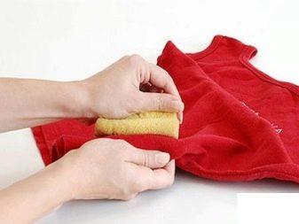 Как отстирать жирное пятно? Как убрать с одежды старые пятна от жира, как и чем удалить в домашних условиях застаревшие загрязнения