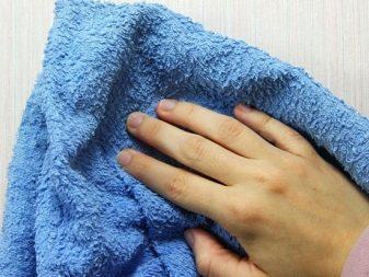 Как отстирать красное вино? Как удалить пятно с белой ткани, чем отмыть застарелое загрязнение с цветной одежды