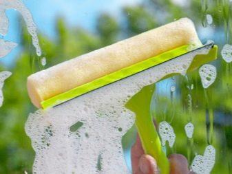 Как помыть окна? Чем отмыть пластиковые рамы и стекла от пятен без разводов в домашних условиях, как быстро вымыть от загрязнений подоконник