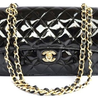 6e3d7e4d7eec Более привычно в коллекциях Chanel смотрятся классические лаковые сумки.  Высококачественный материал не царапается и не теряет привлекательный  внешний вид ...