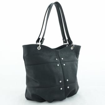 21525252b12c Для закрытия сумки сверху используется молния. Внутри имеется пара  карманов, каждый из которых оснащается молнией. Сзади небольшой карман,  предназначенный ...