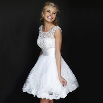 497036cd0b8 Белое платье идеально подходит стройным девушкам