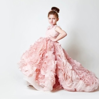 633a7154f62 4) A white tulle dress with a full midi skirt does not look dull and  beaten. All thanks to the original floral decoration. A bright scarlet rose  settled on ...