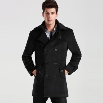 d20eb9eb2ab8 ... тренчкот из плотной ткани с подкладкой. В сочетании с шарфом и теплыми  перчатками такой тренч составит отличный зимний лук для современного мужчины .