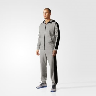 39fd616e Если говорить о второй категории костюмов этого бренда, то модные  спортивные костюмы Adidas изготавливаются из удобных, приятных телу  материалов.