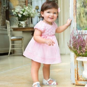 Босоножки для девочек (45 фото): детские и для подростков, красивые на каблуке и на платформе из силикона