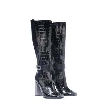 b27b43e1353 Luksuslikud saapad, mis on valmistatud ehtsast nahast ja millel on  stabiilne kandevõime - universaalne variant. Algne stiil ja trükis, mis  jäljendab ...