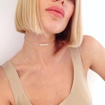 Белый чокер (32 фото): с чем носить кружевное украшение на шею
