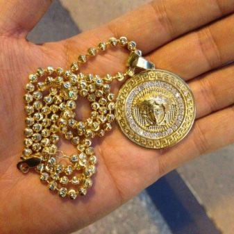 Мужские кулоны (62 фото): украшения на шею из золота и серебра, модели для мужчин в виде серебряных боксерских перчаток