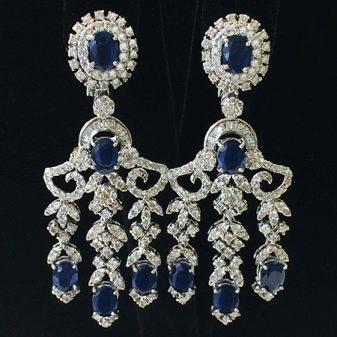 Серьги с сапфиром (81 фото): золотые и серебряные модели, сережки из серебра с натуральным камнем