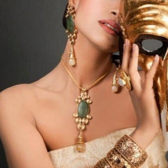 Как почистить золото в домашних условиях? Чем быстро и эффективно можно вымыть украшения дома, как сделать так, чтобы серьги блестели