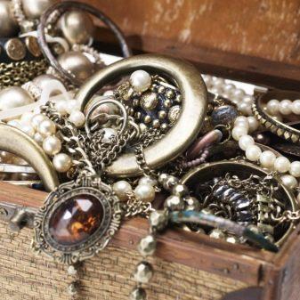 Как почистить серебро? Как быстро и эффективно можно отмыть серебро от черноты дома, чем почистить серебряные изделия дома до блеска