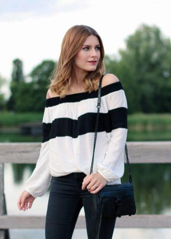 К классическим уже крестьянским блузам и блузкам покроя «Кармэн» добавились  рубашки с открытыми плечами и блузки с тонкими бретелями. a3a966d91aef8