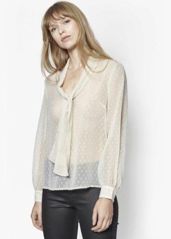 Очаровательный шифон и модные фасоны воротников делают потрясающие эскизы  блуз. «Школьный воротничок» abcec8ca3566e