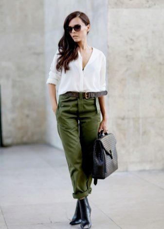 Джинсы с карманами (102 фото): для чего нужен маленький карман, с накладными, боковые