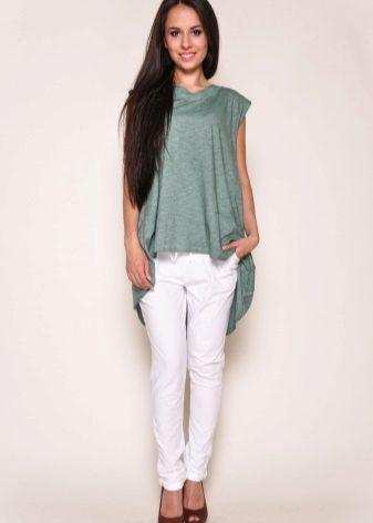 b3a0ea08c9ca5 Девушкам, которые не могут похвастаться идеальной фигурой, такие футболки  лучше носить под джинсы, шорты или даже юбки средней длины.