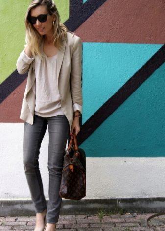 Бежевый пиджак: с чем носить (40 фото)