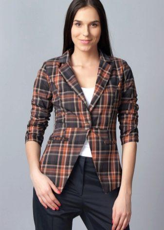 Клетчатые пиджаки (39 фото): женские модели, с чем носить