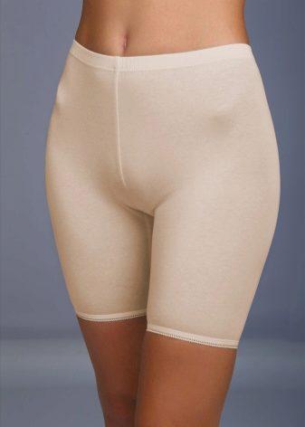 Под юбкой в панталонах — 1