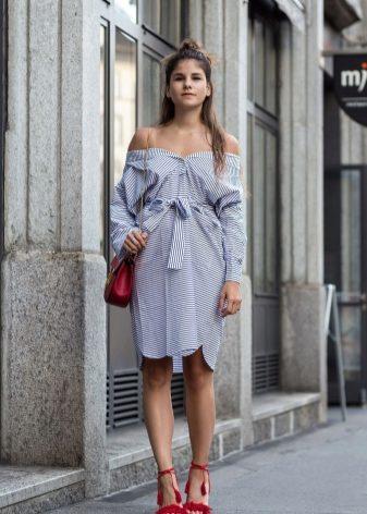 Платье рубашка с воланами на плечах
