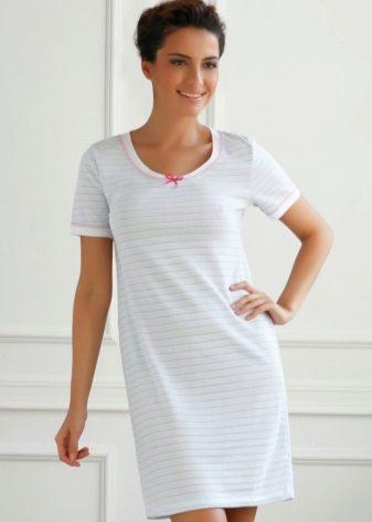ee527d3e3fd2ed5 При пошиве ночнушек используются разные материалы. Главный принцип состоит  в том, что уютные сорочки изготавливают из натуральных материалов, в то  время, ...
