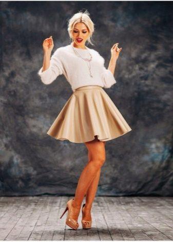 769f677a0f2 Бежевая кожаная юбка с чем носить – Блог о рукоделии и моде