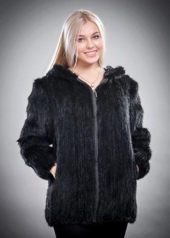 cc40c823333 Сегодня позволить себе куртку из вязаной норки может практически любая  женщина. Неоспоримым достоинством таких изделий является их вес
