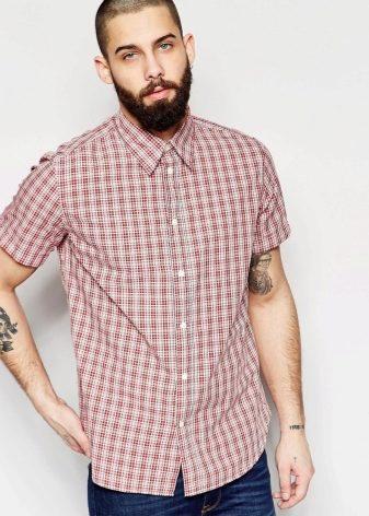 4284a9da581 Сейчас рубашки в клетку с коротким рукавом также пользуются популярностью