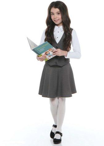 Школа под партой юбка