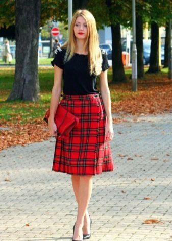 86ebbc6195e Классический вариант клетчатой юбки – шотландская. Юбка из тартана