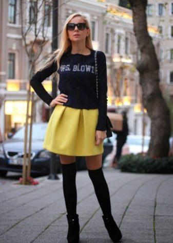 Холодная блондинка в черной юбке что это фото 421-528