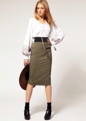 Длина юбки для низких девушек