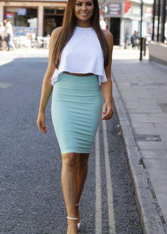 Атласная юбка прямая