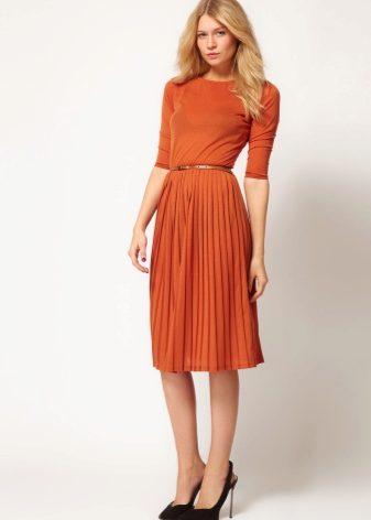 Короткие платья с плиссе
