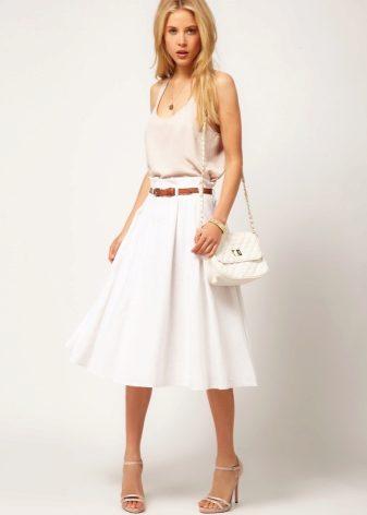 Белая юбка солнце фото