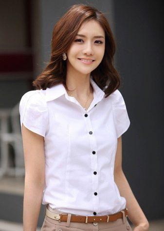 67bf2a1359d Белая рубашка женская (137 фото) 2019 года: с длинным рукавом ...