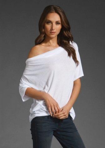 Белая кофта (107 фото): вязаная, с черными рукавами, женская, на одно плечо, черно-белая, трикотажная